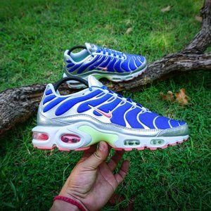 NIKE AIR MAX PLUS HYPER ROYAL SUNBLUSH SIZE 10W